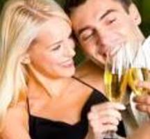 Wine-drinking-couple