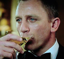 Daniel-craig-cocktail-2