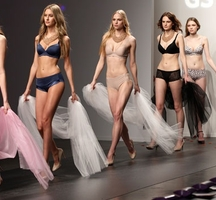 Lingerie-fashion-week-2014-3